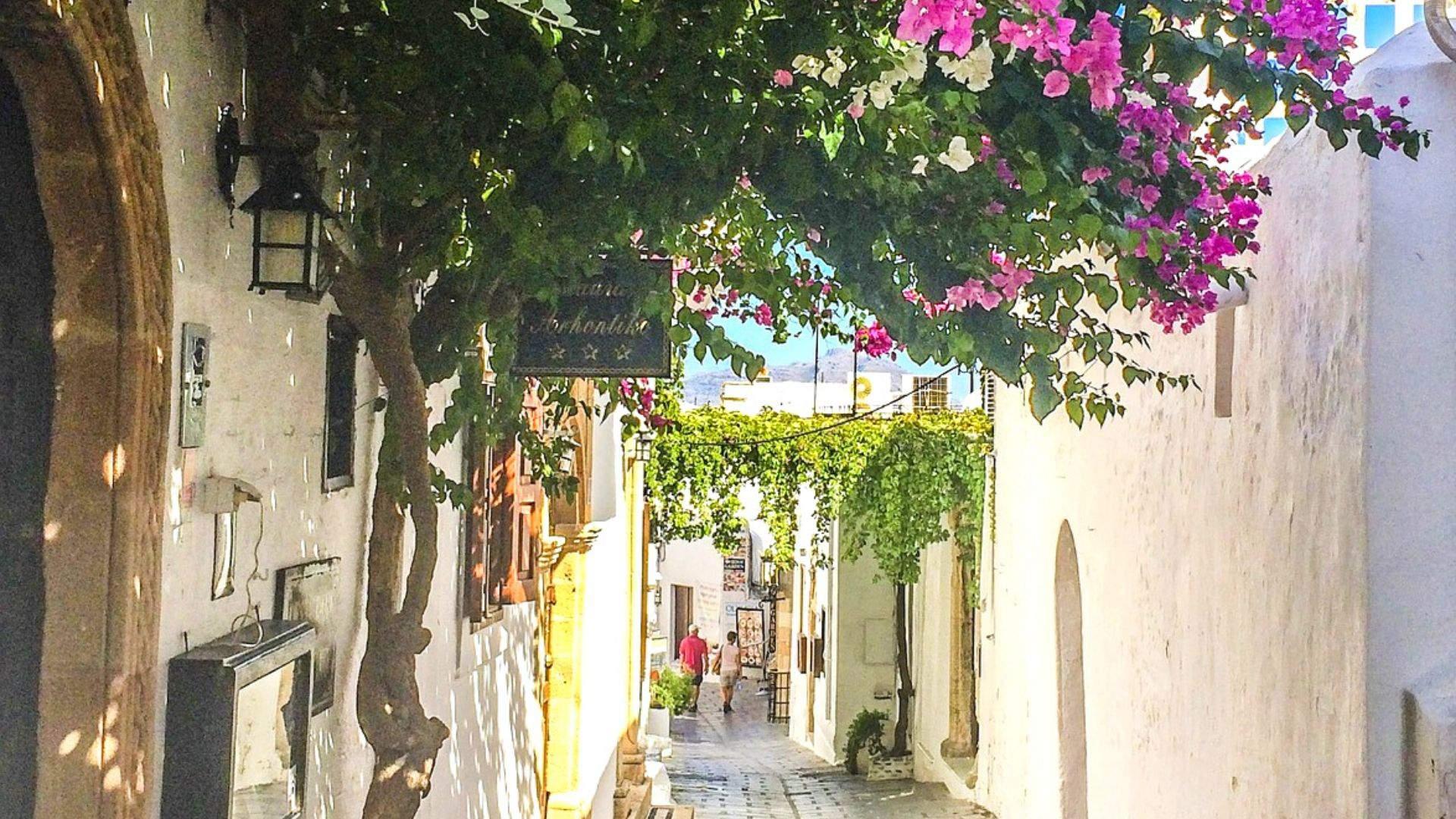 Pasivaikščiojimai jaukiomis gatvelėmis – idealūs pažinčiai su sala