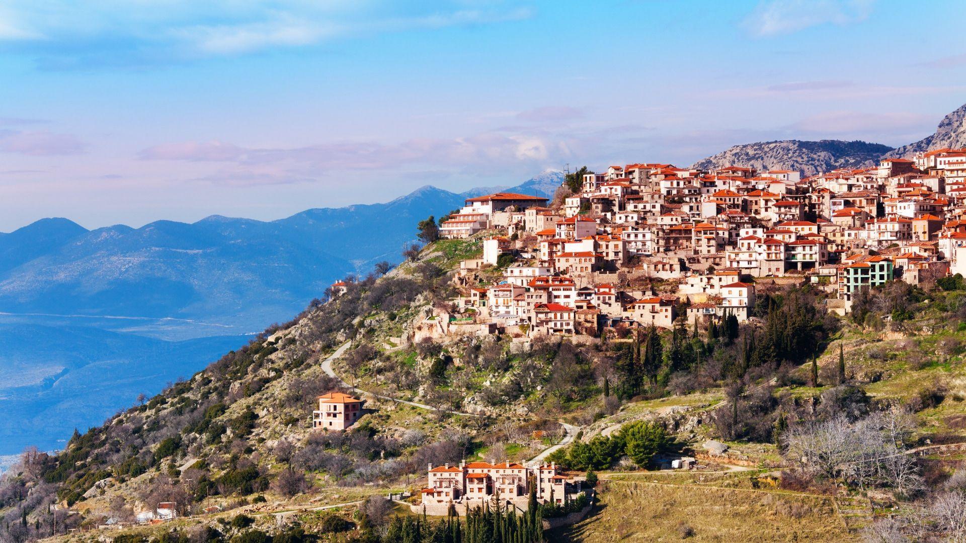 Arachova kalnų miestelis Graikijoje