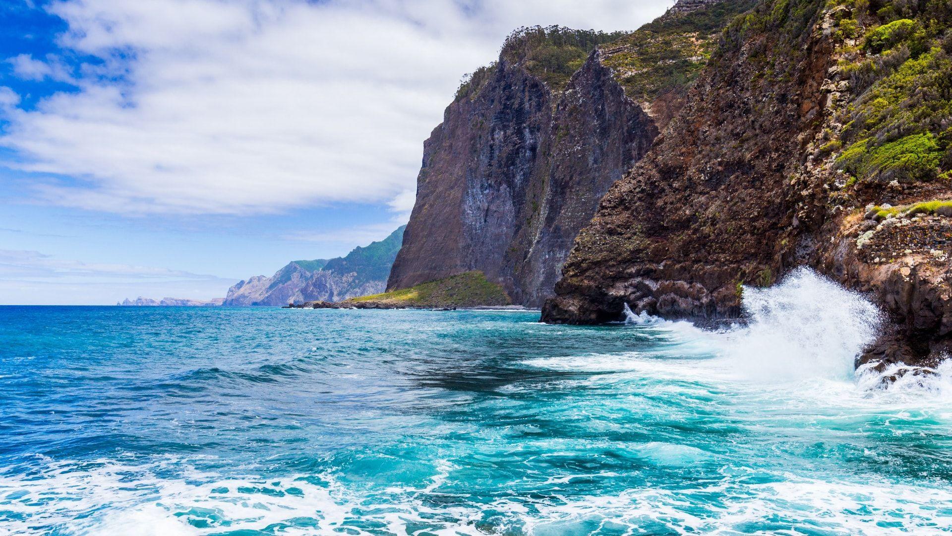 Atlanto vandenyno skalaujamos uolos
