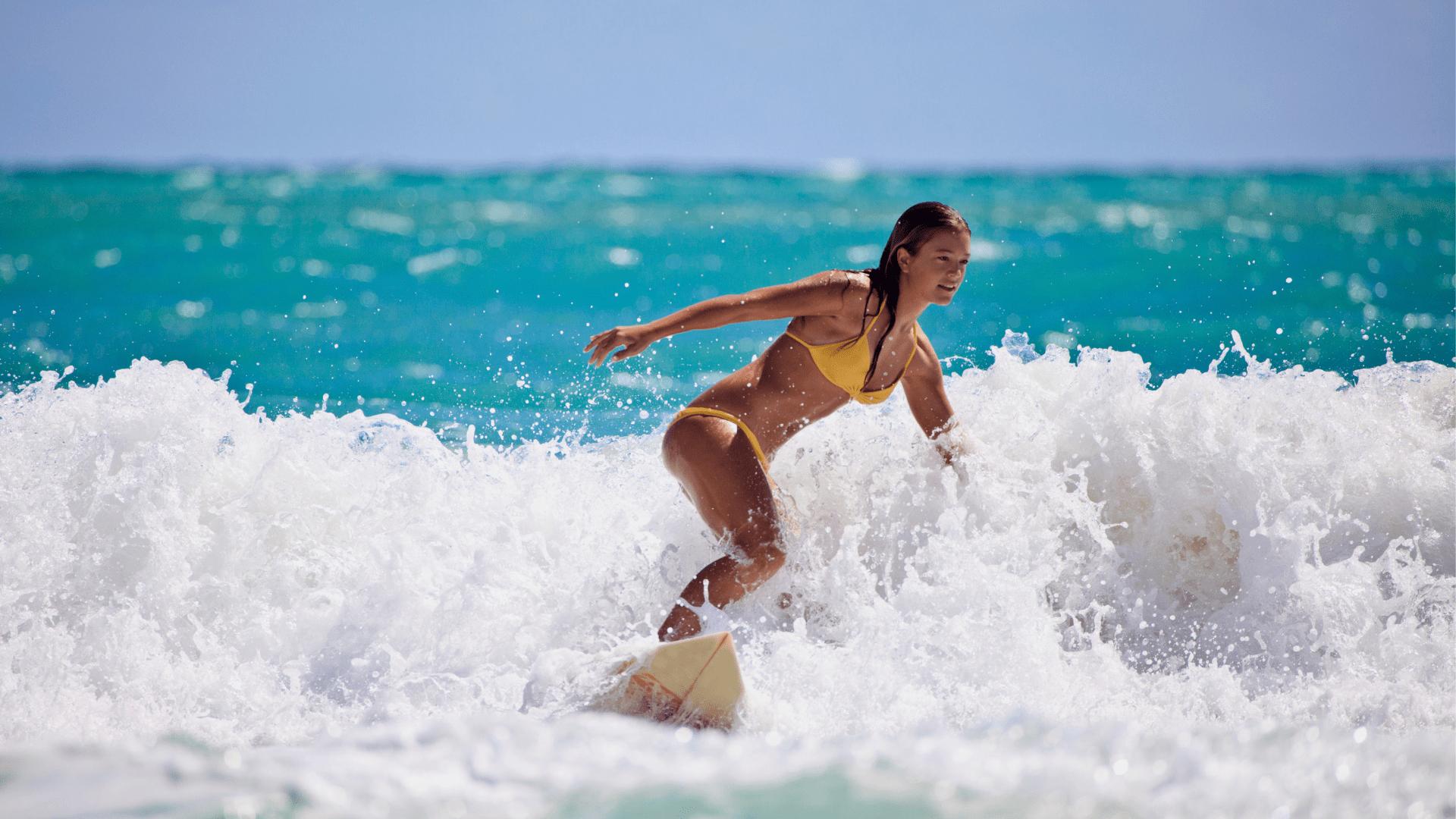 Keliaudami po Havajus galėsite išbandyti banglenčių sportą