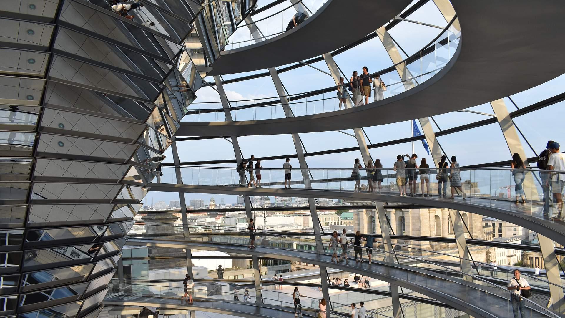 Berlynas – ne tik kupinas istorijos, bet ir modernių architektūros sprendimų