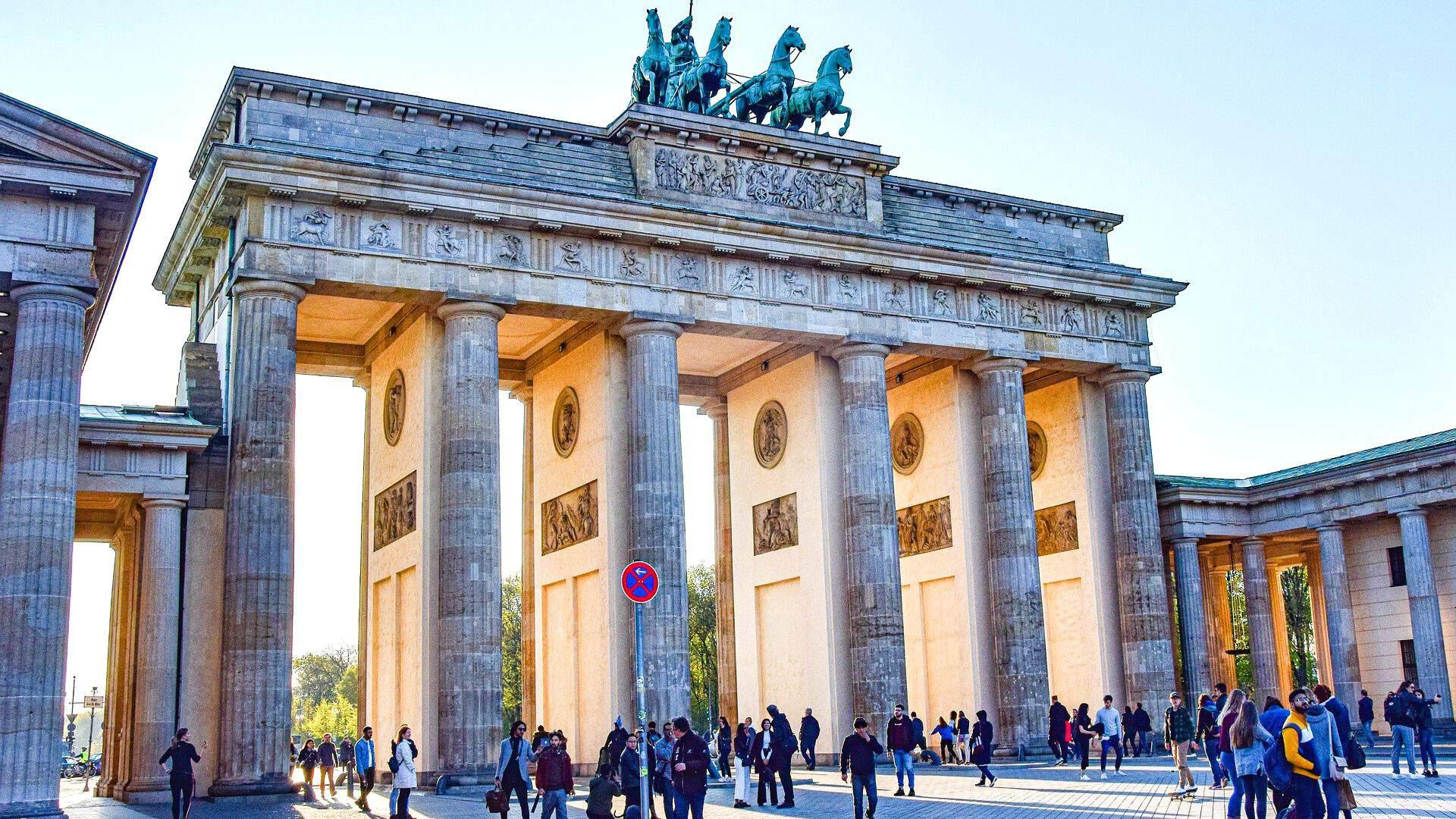 Brandenburgo vartai – istorinis Berlyno simbolis