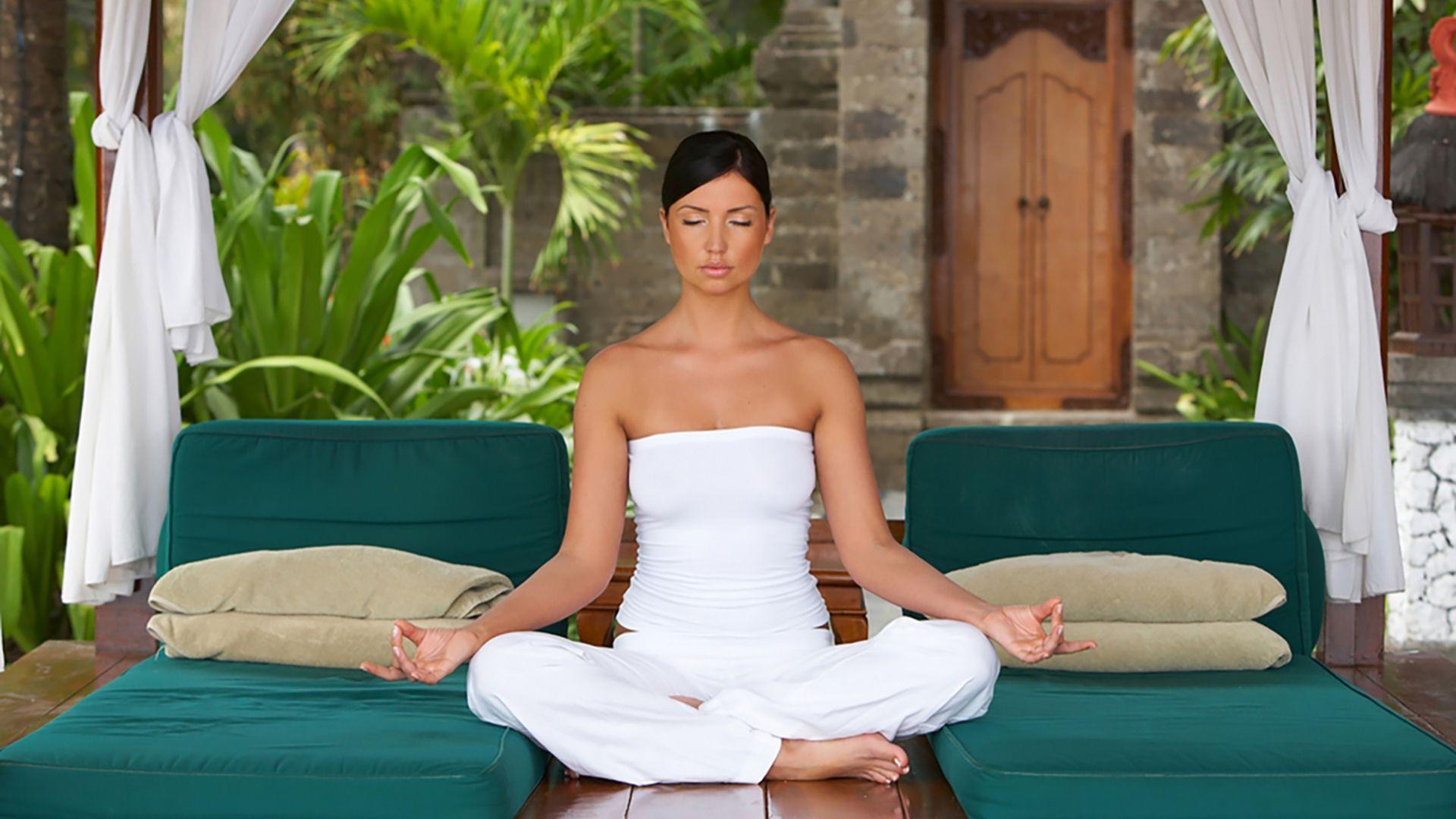Ilsėdamiesi saloje išbandykite ir meditaciją