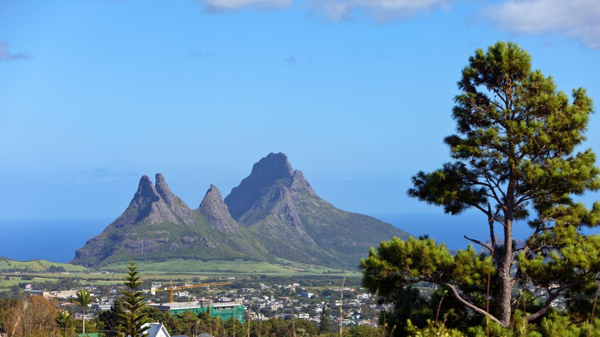 """Įspūdingas Mauricijaus vulkanas """"Trou aux Cerfs"""""""