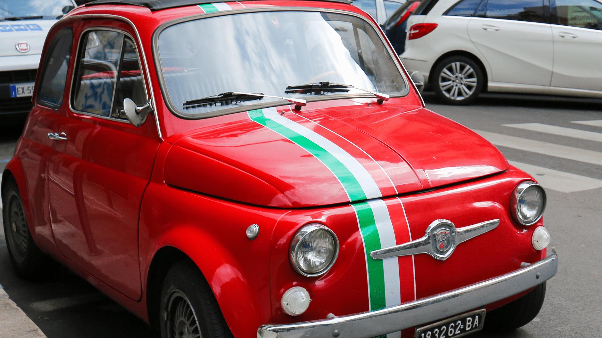 Ikoniška Italijos miestų mašina - Fiat 500