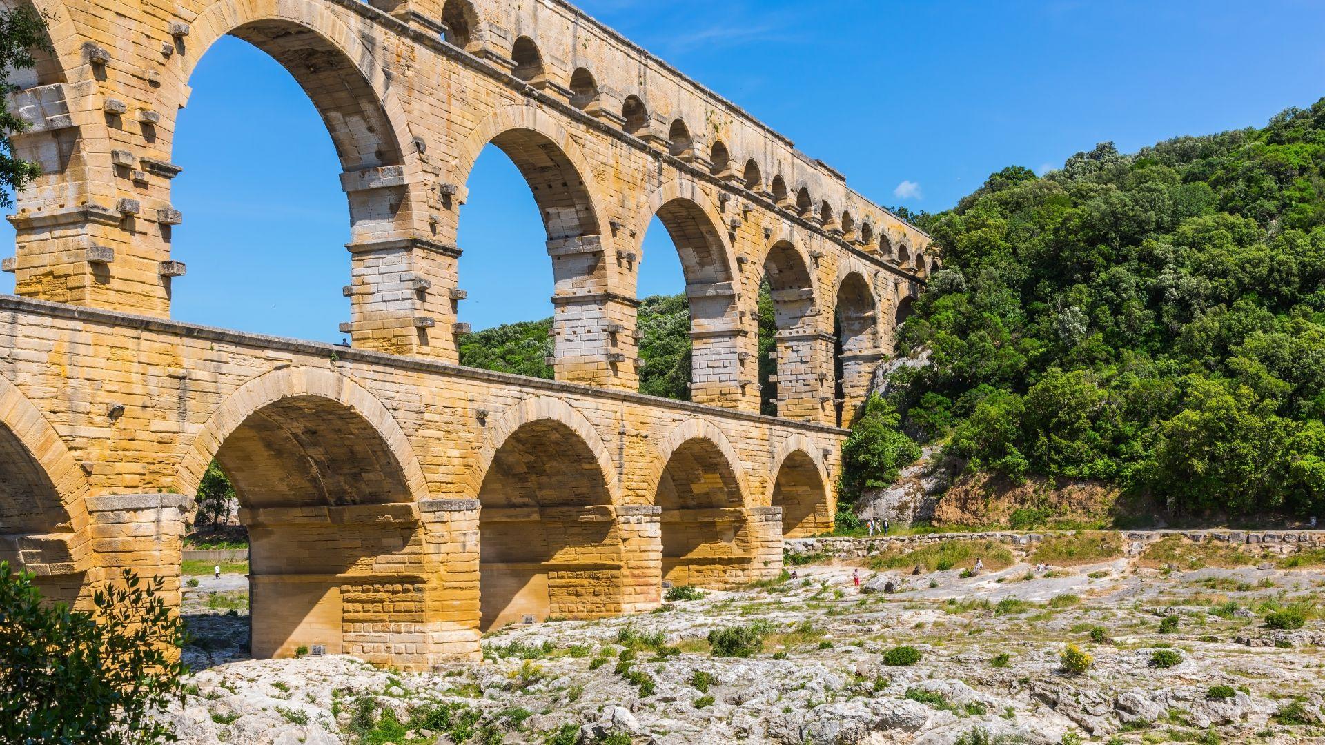 Gardo akvedukas - romėnų inžinerijos stebuklas