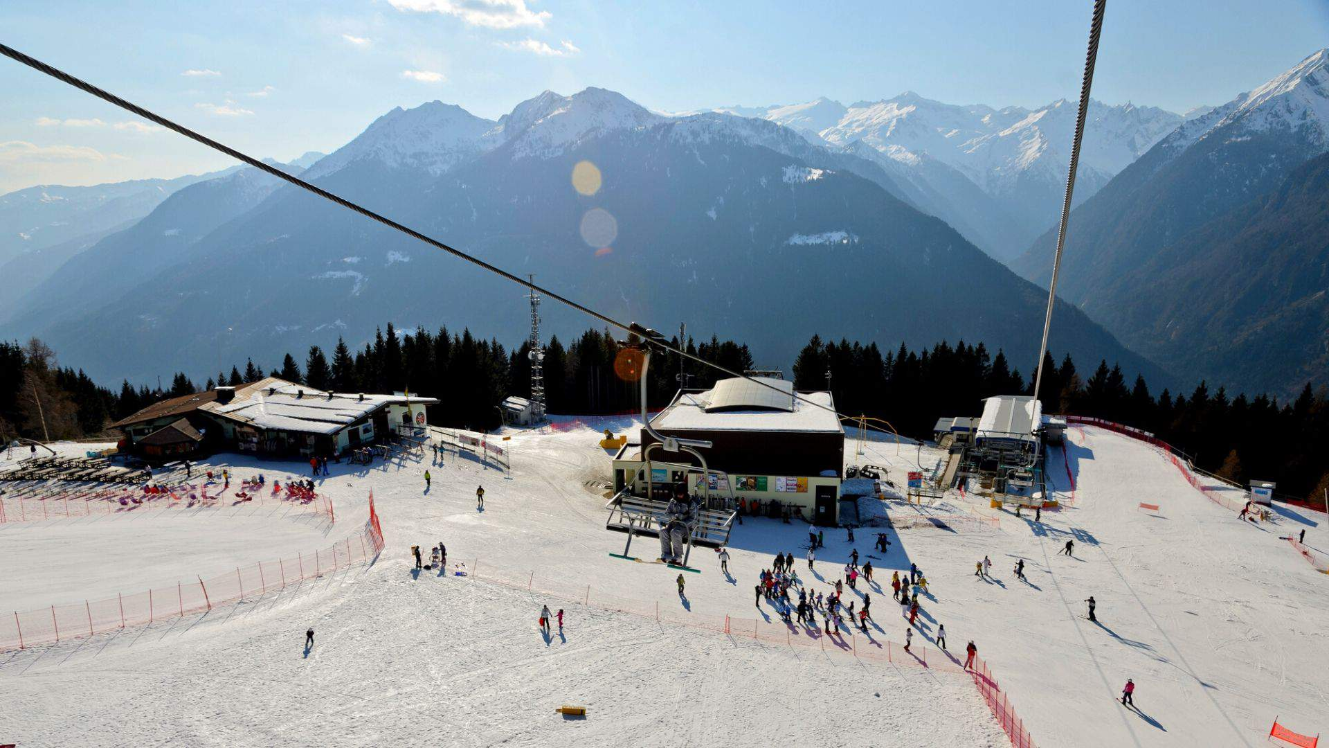 Jūsų laukia nuostabios slidinėjimo akimirkos Pinzolo kurorte