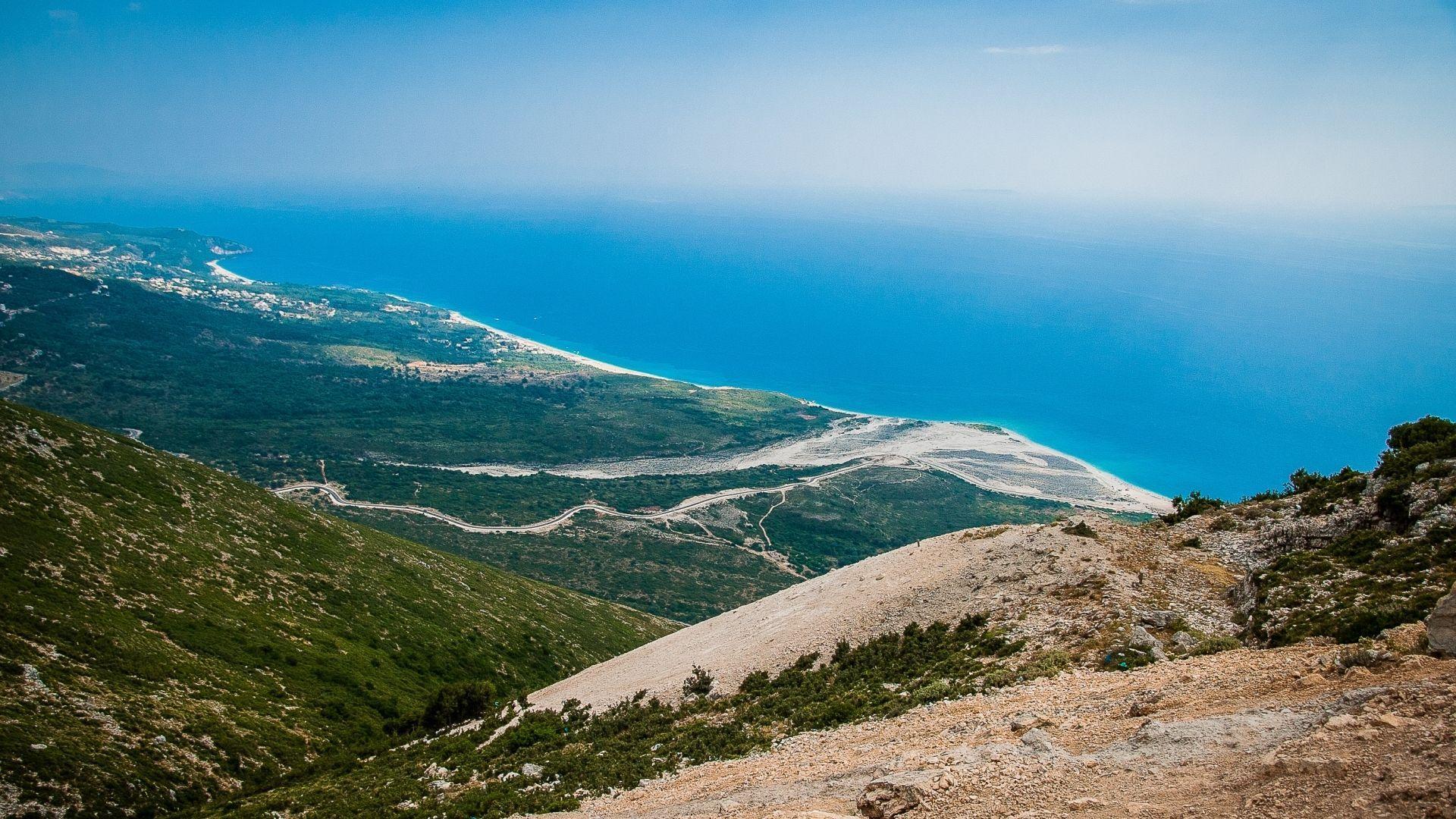 Kalnų perėja Albanijoje