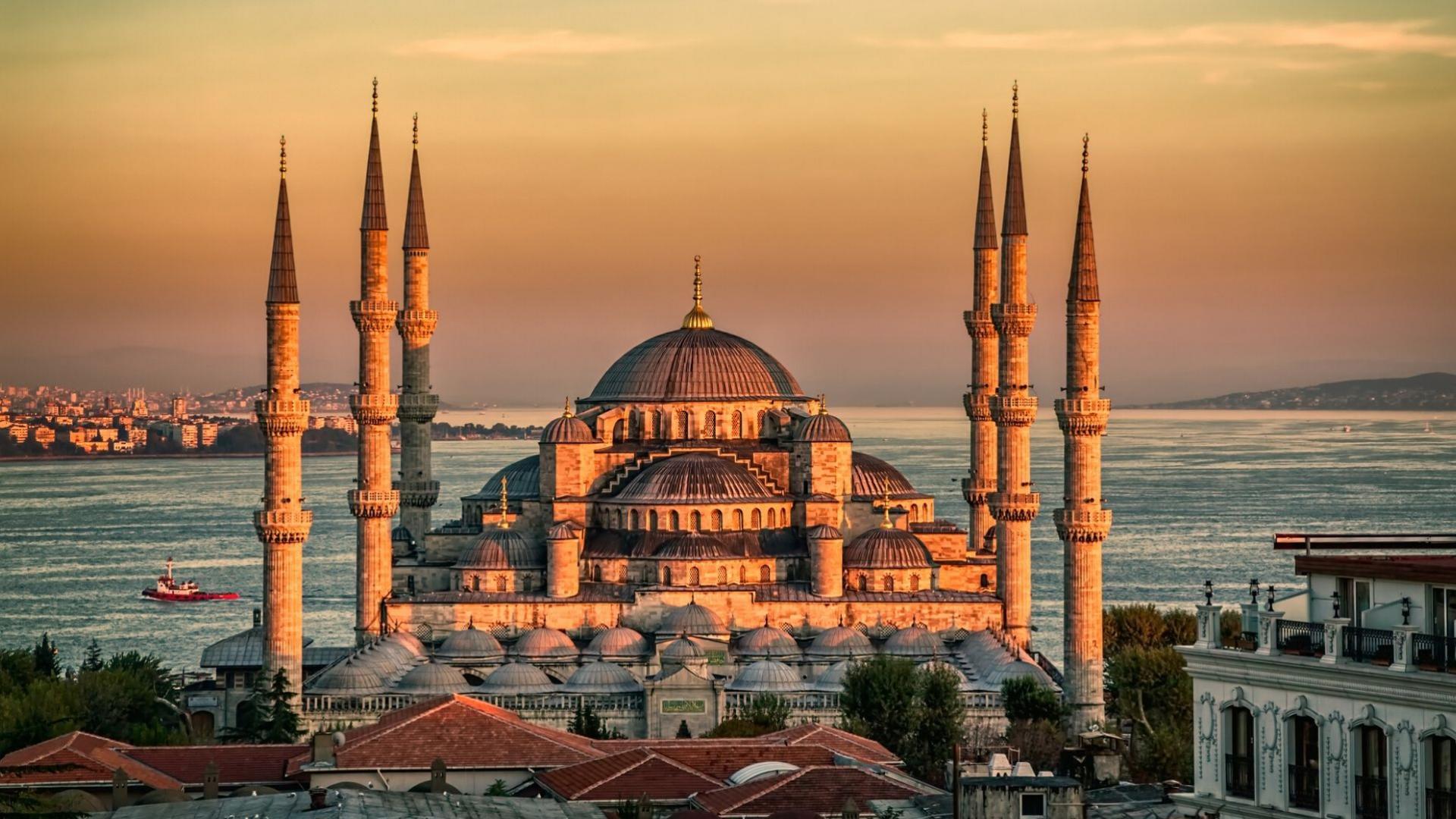 Keliaudami Turkijoje aplankysite Mėlynąją mečetę - Stambulo architektūros šedevrą