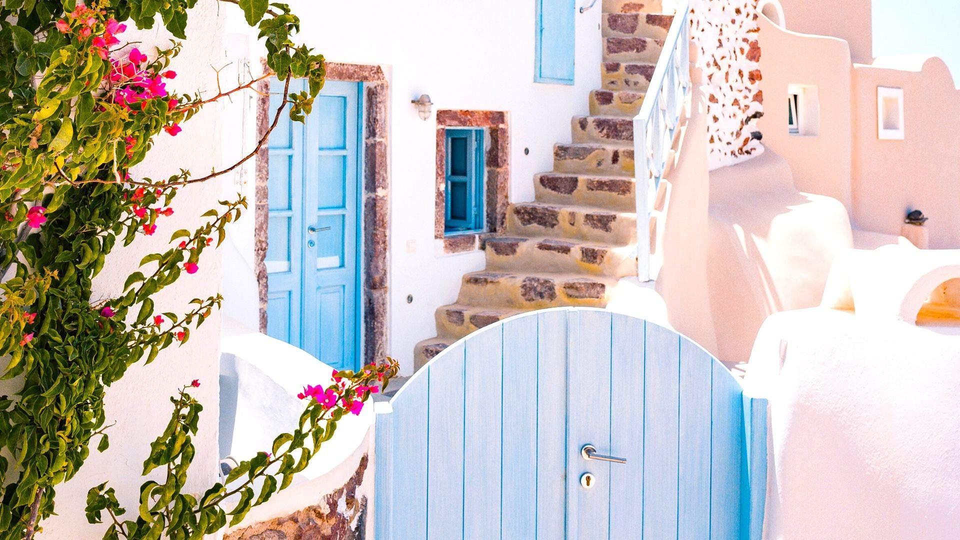 Keliautojus keri nuostabi graikiška architektūra