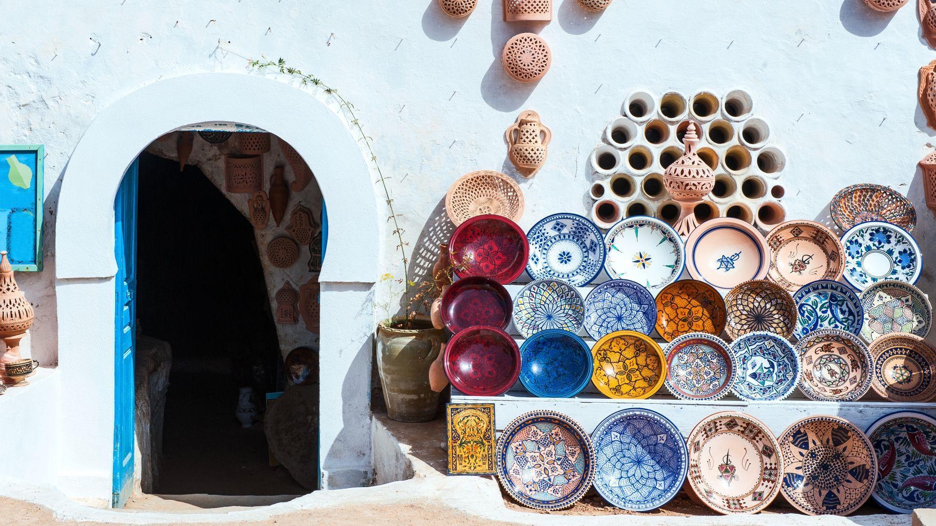 Keramikos parduotuvėlės fasadas