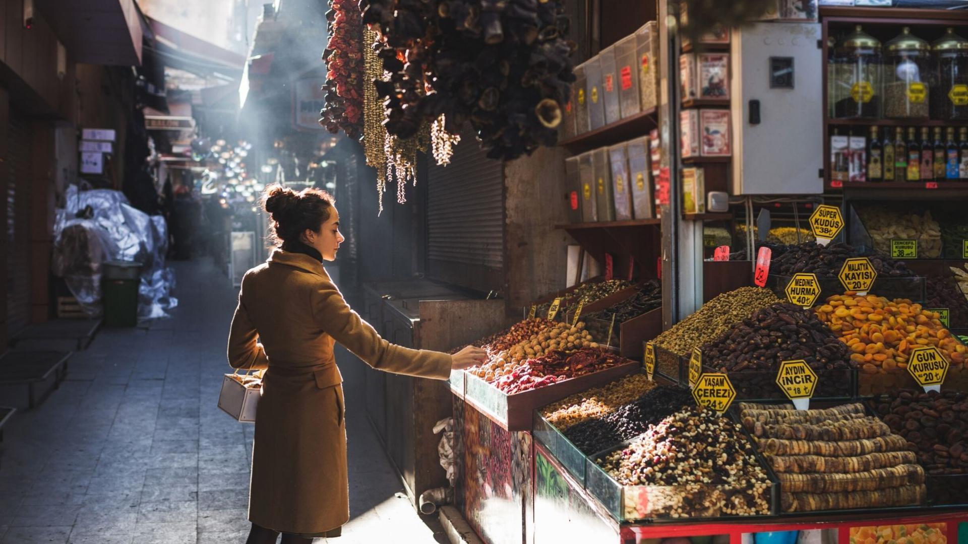 Lauktuvėms apsipirkti galėsite Didžiajame turguje Stambule
