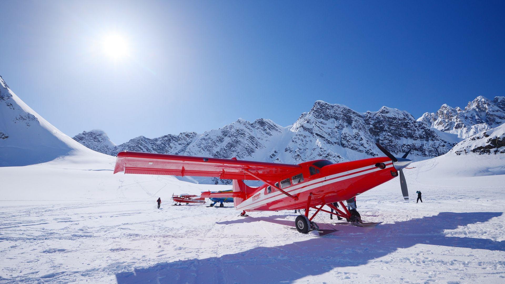 Keliautojams siūloma išbandyti skrydį lėktuvu virš Aliaskos