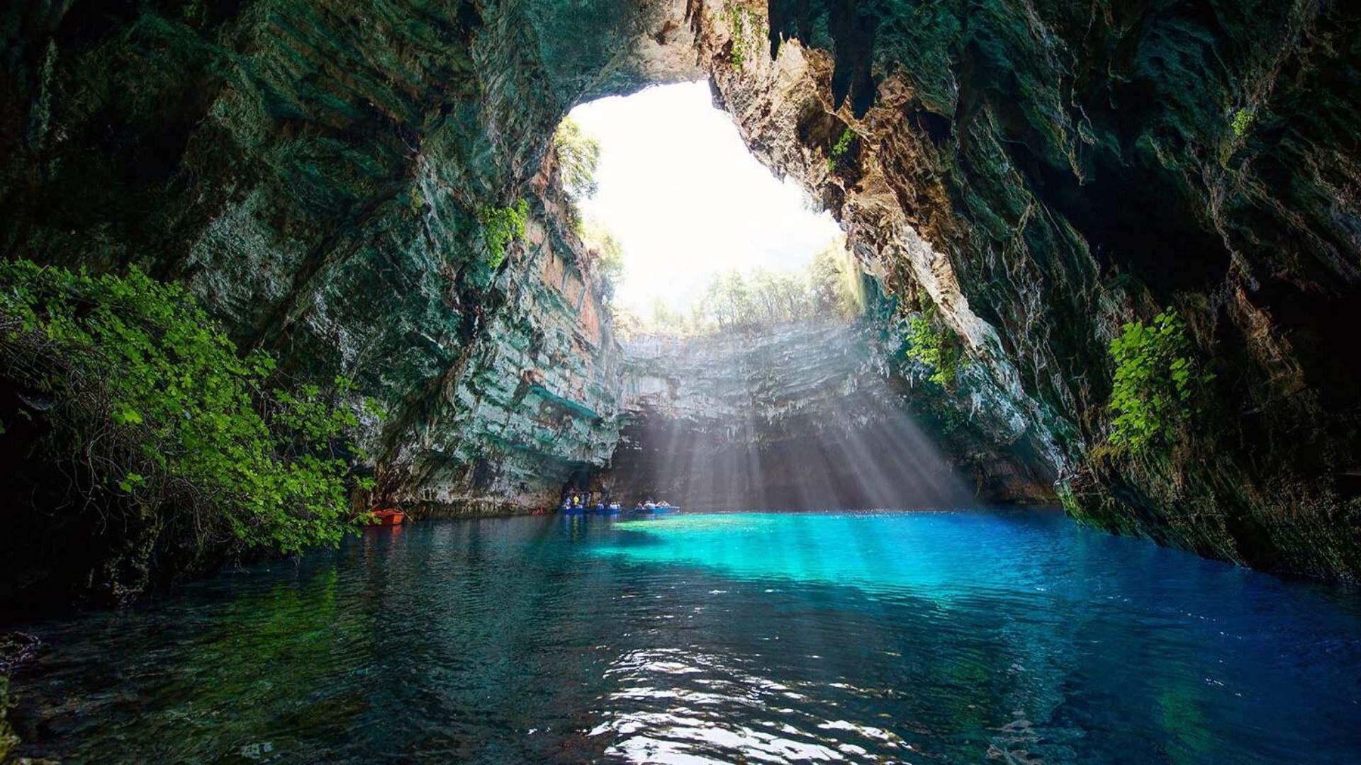 Melisanio urvas - tikras salos gamtos lobis