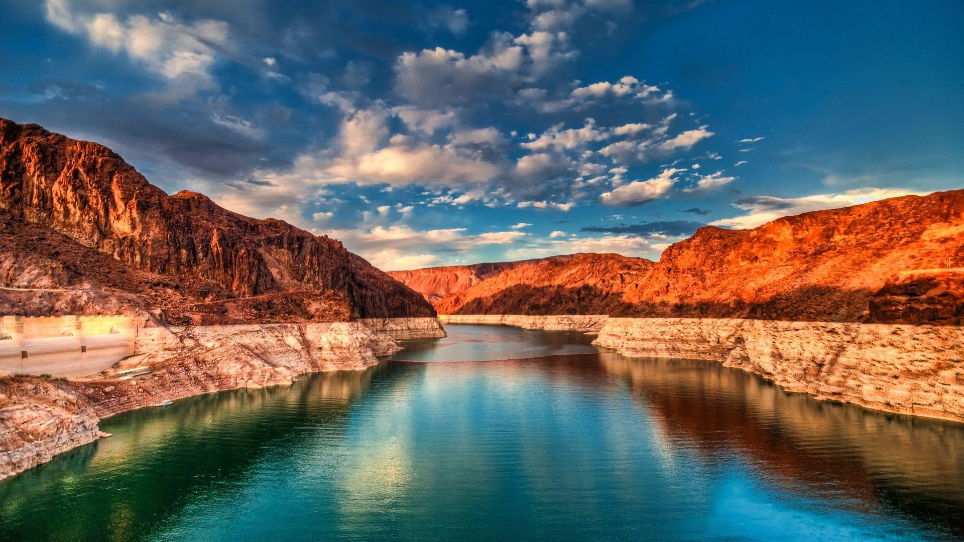 Nuostabus Huverio užtvankos ežeras