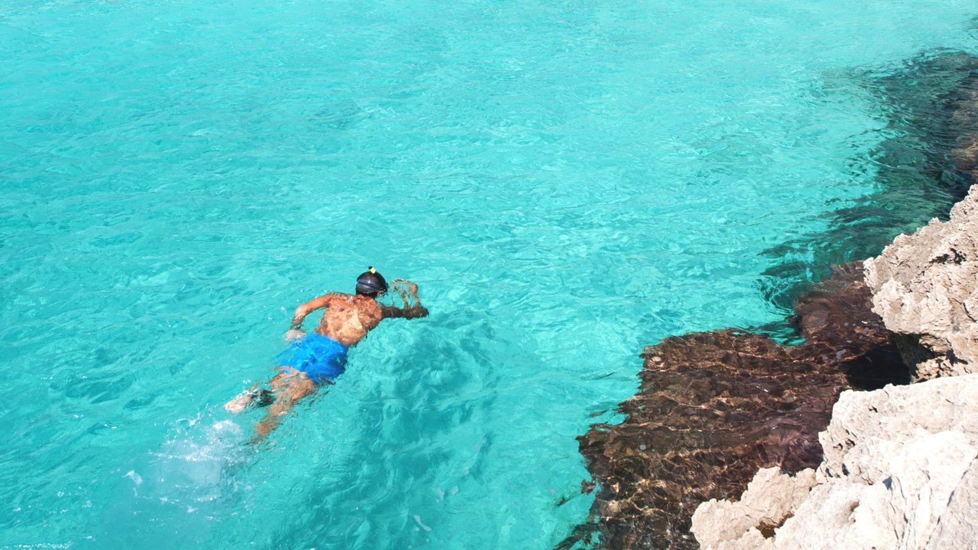 Nuotykiai skaidriame jūros vandenyje