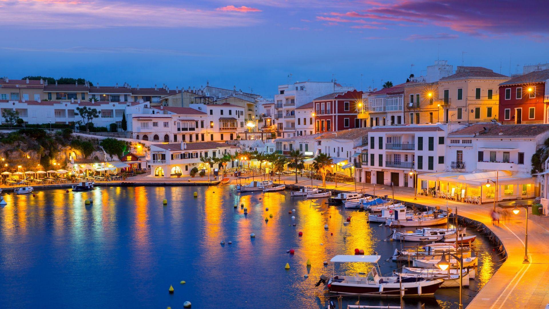 Pamatykite žavius Menorkos miestus