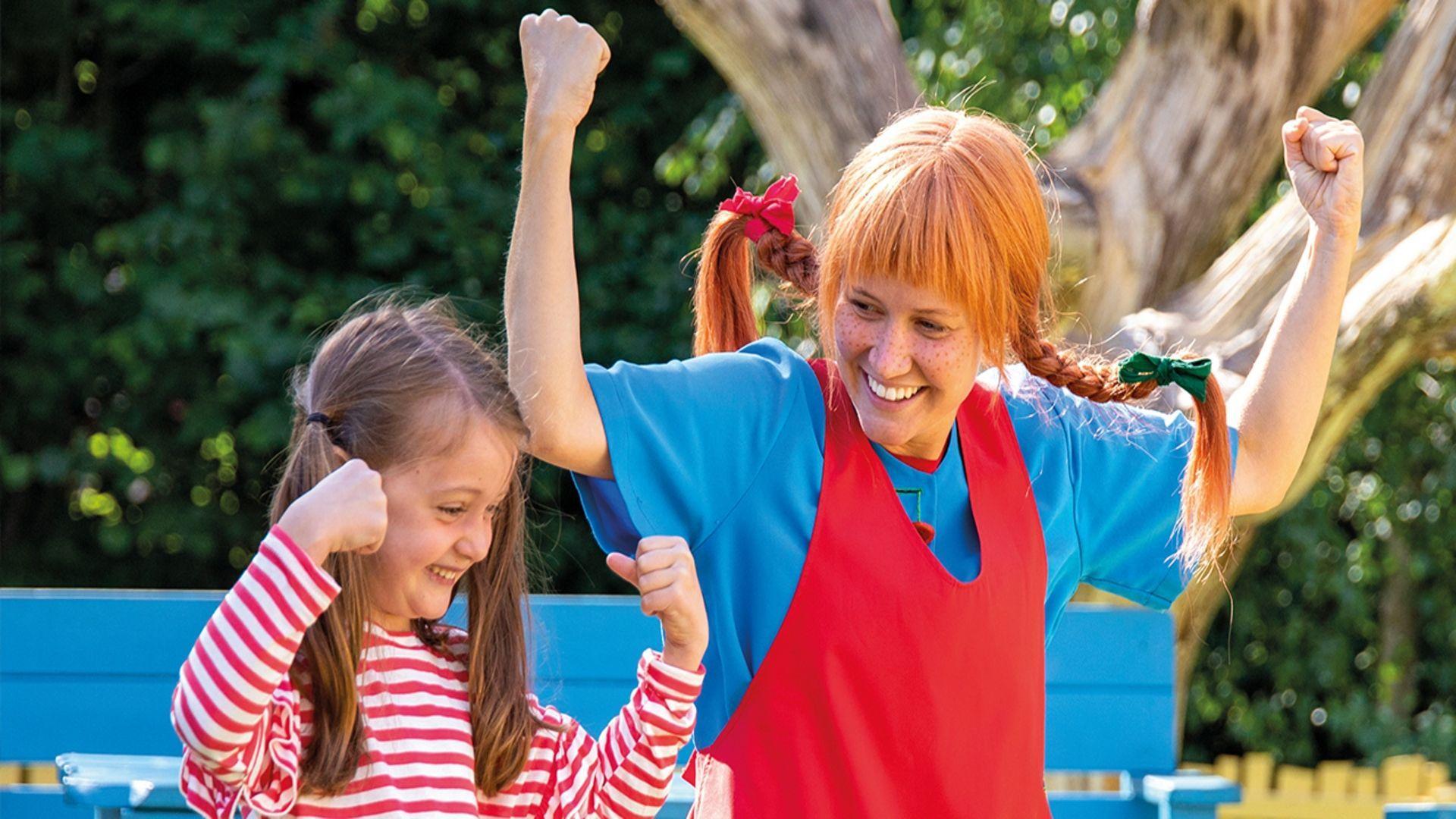 Personažai pramogų parke džiugins vaikus
