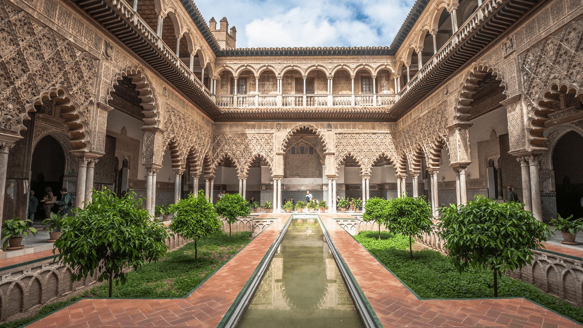 Royal Alcázar - prabangūs rūmai Sevilijoje