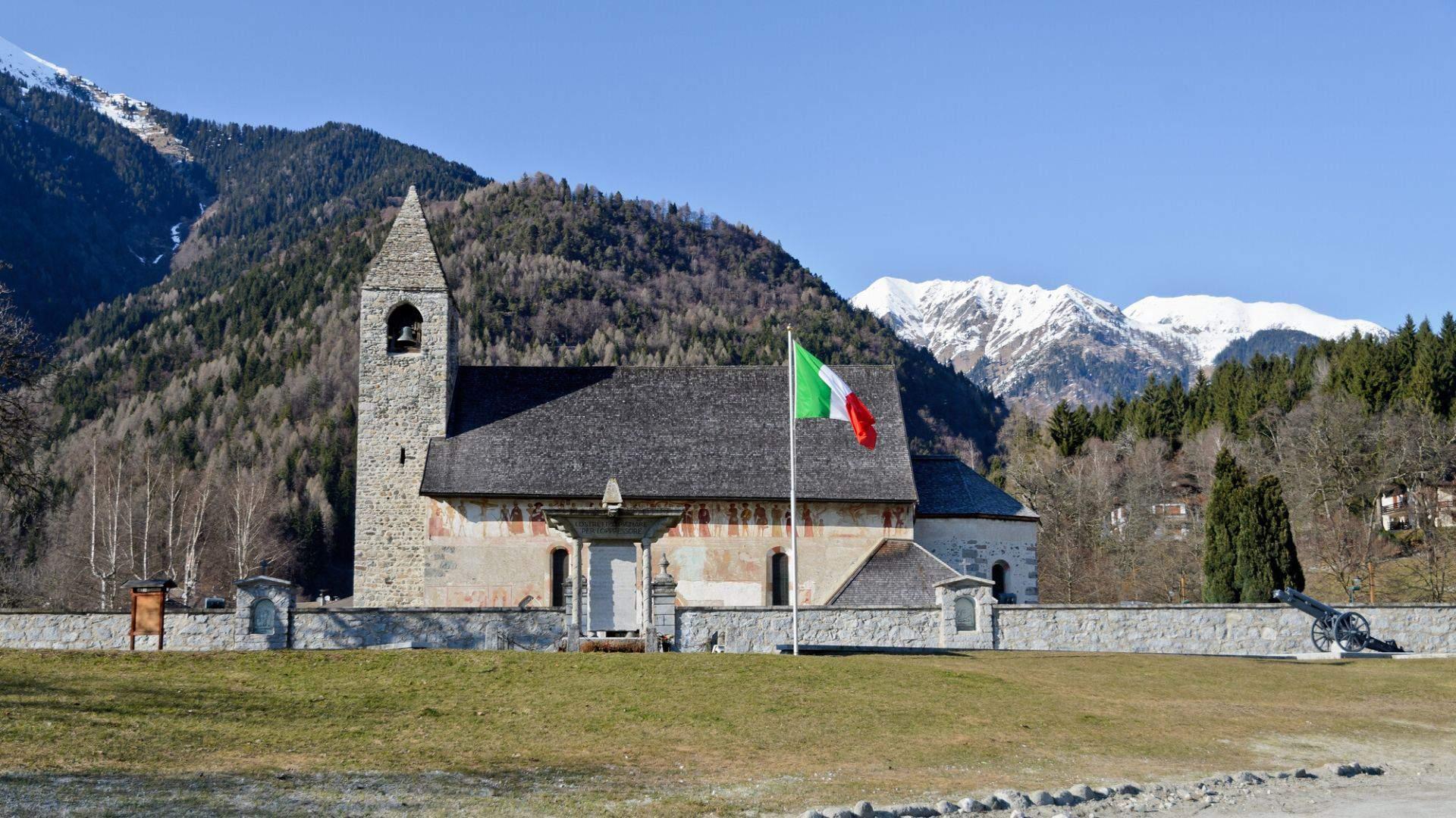 San Vigilio katalikiška bažnyčia Pinzolo kalnų kurorte