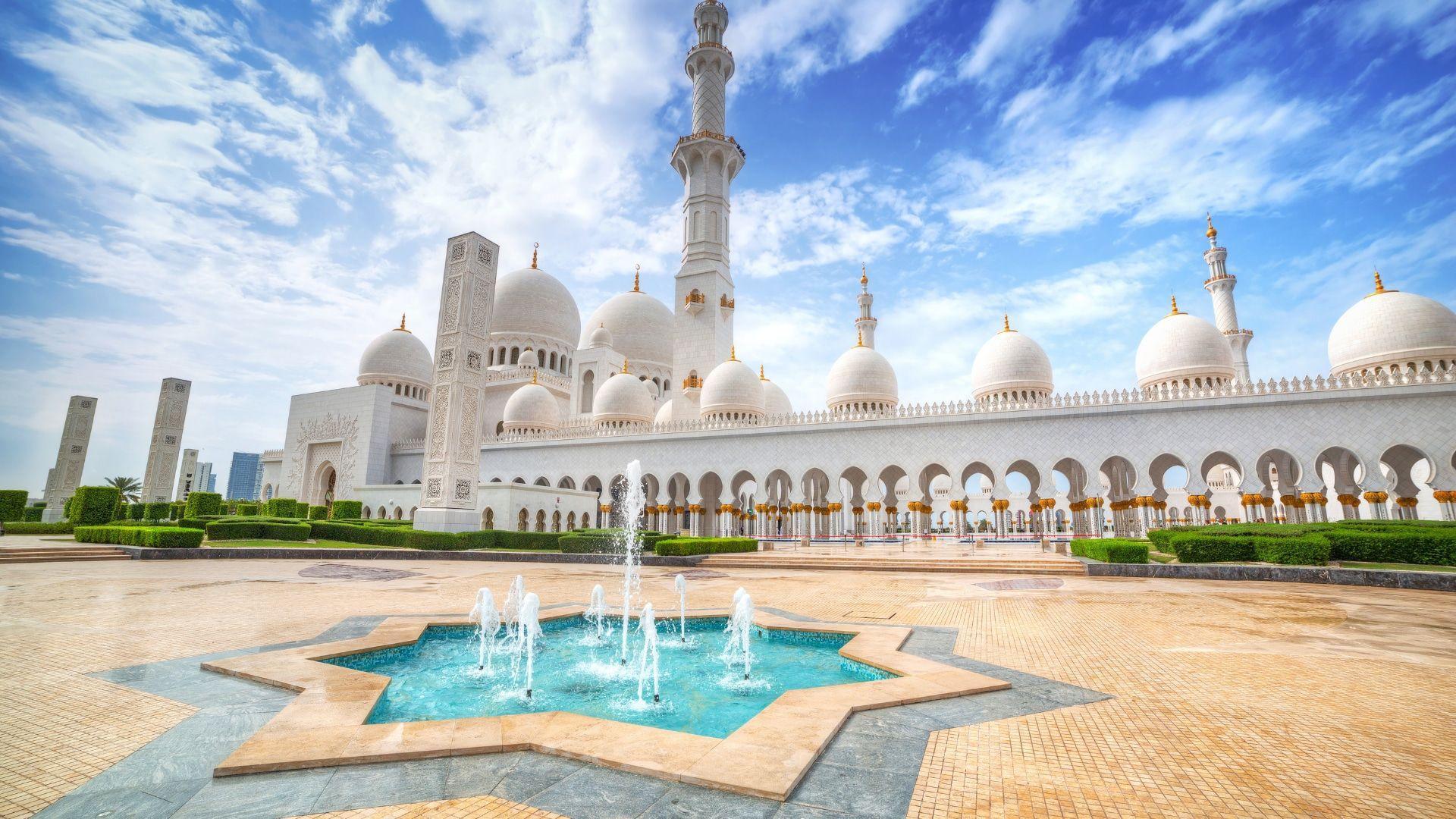 Poilsiaudami Abu Dabyje aplankykite Šeicho Zaydo Didžiąją Mečetę