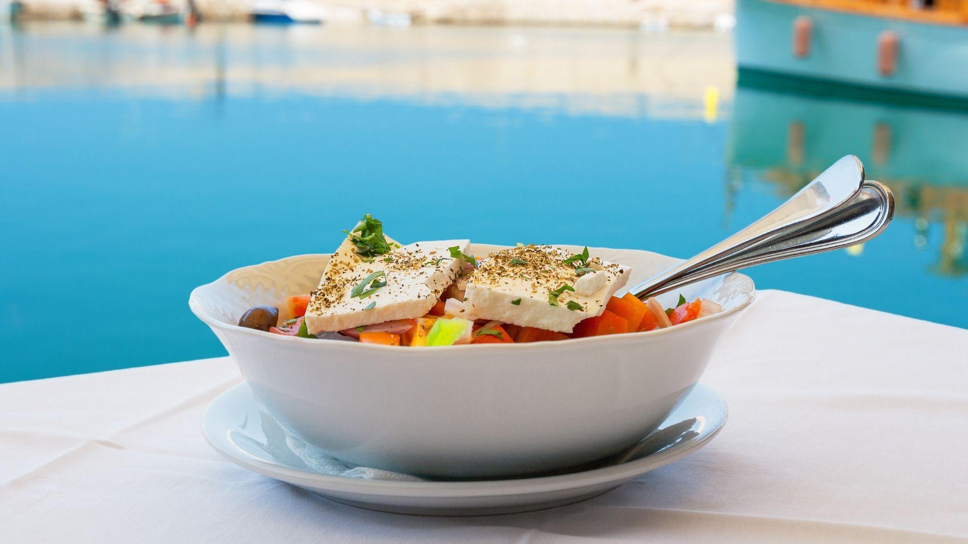 Tradicinė graikiška virtuvė, gaivios Graikiškos salotos