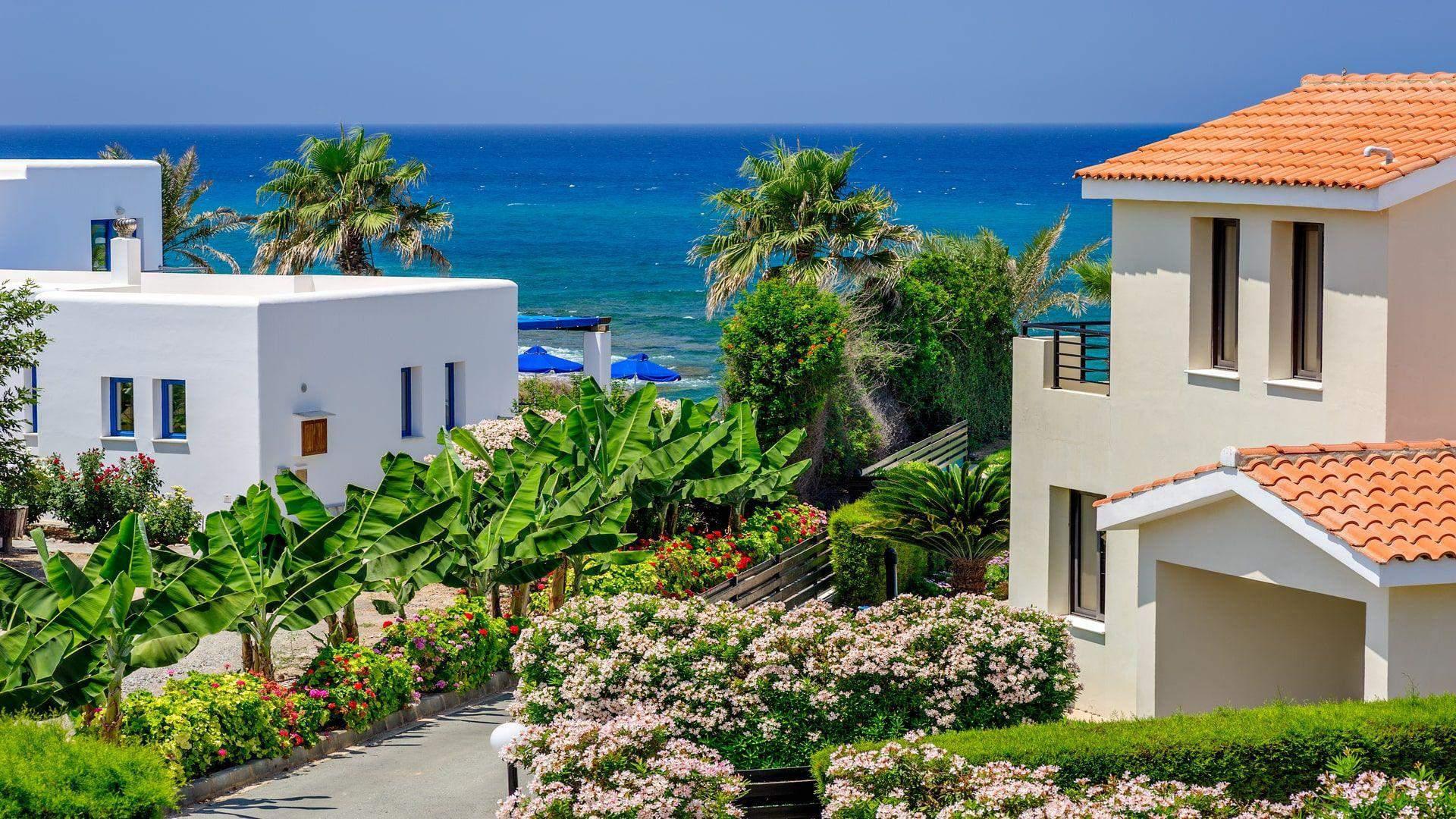 Saulėtasis Kipras keri gamtos grožiu
